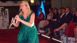 Die Klarinettistin Sabine Grofmeier beim Serenadenkonzert