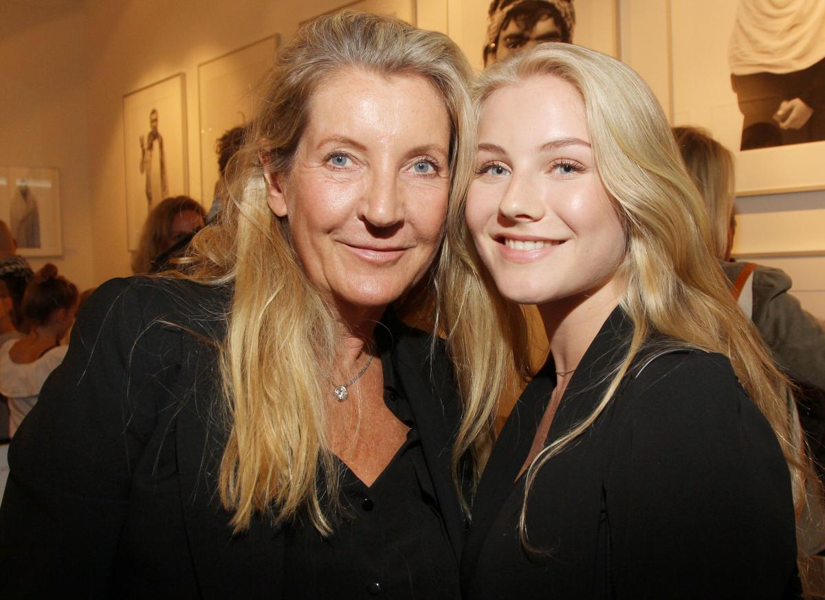 Colleen B. Rosenblat mit Tochter Hannah Vernissage der Galerie Roschlaub