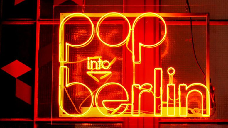 Pop into Berlin Logo