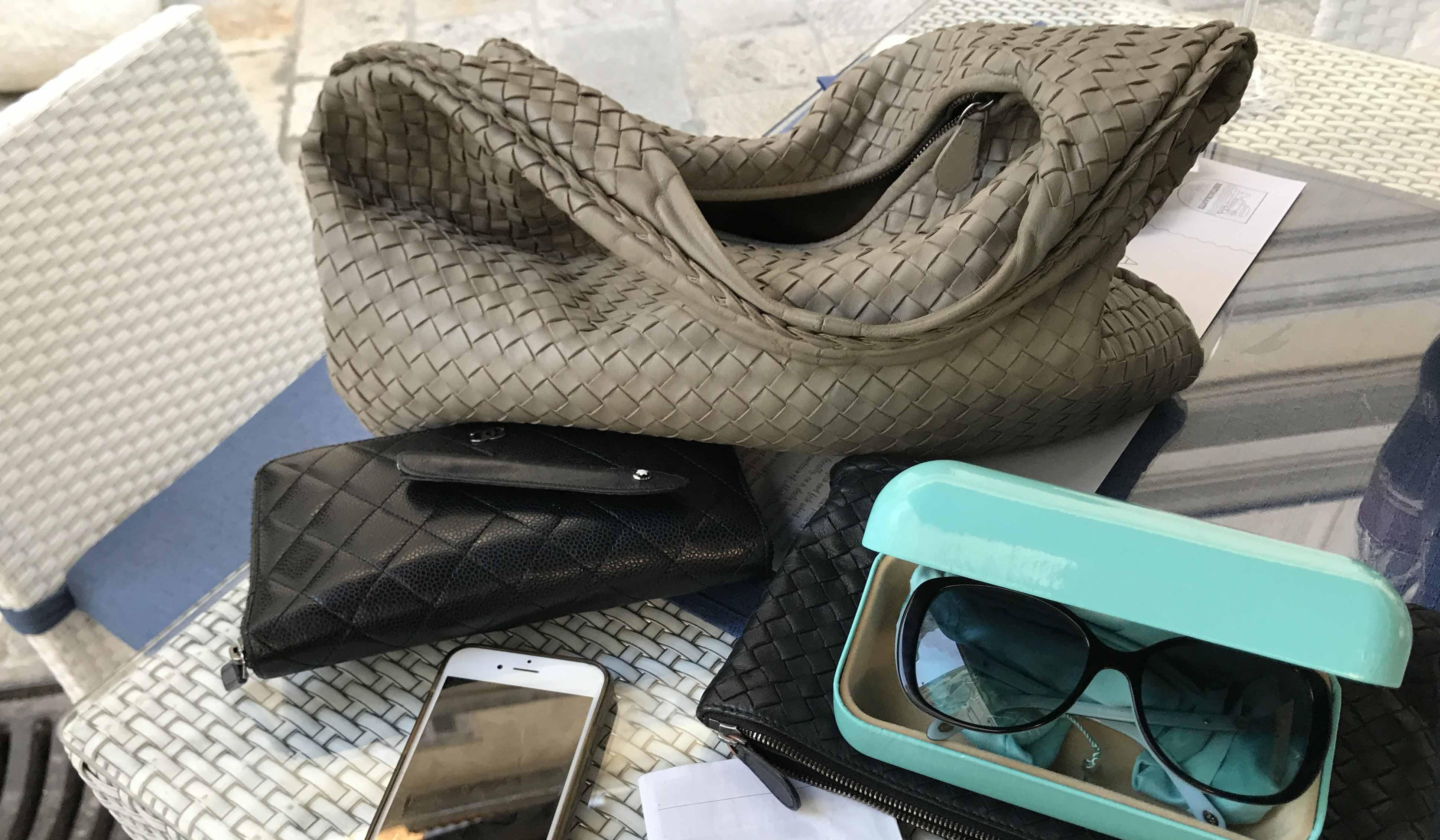 Handtascheninhalt von Tina Lüneburgs Tasche