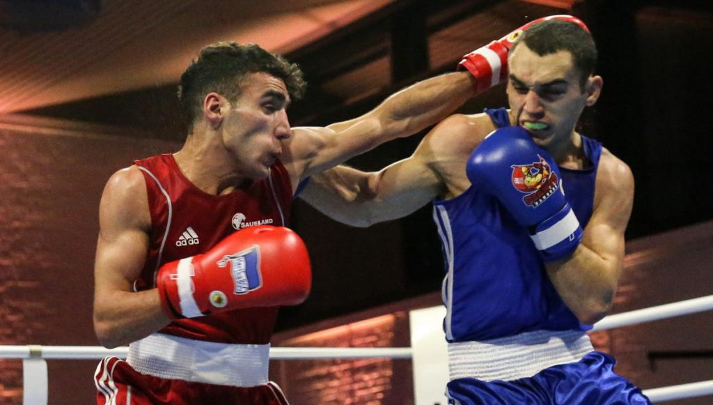 Zwei Boxer, Hamburg kämpft gegen Berlin