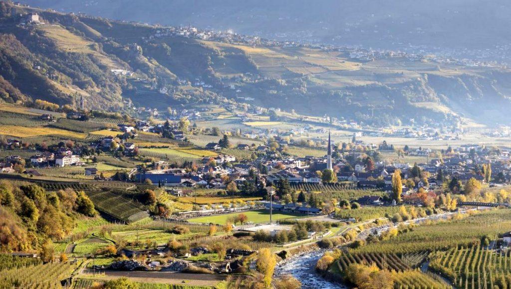Dorf im Tal - Blick über Algund