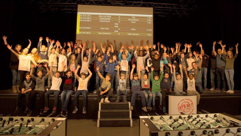 Gruppenbild vom Kickerturnier