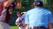 Baseballspieler Dustin Ward beim pichten