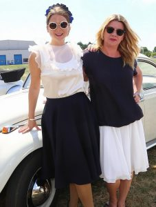 Auto Wichert Classic Car 2018 - zwei Frauen am Auto