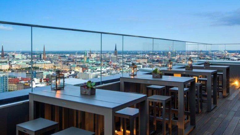 Die höchste Bar Hamburgs die Weinbar 26
