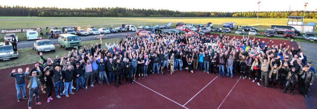 Alle Teilnehmer der Waamlöt Rallye beim Zieleinlauf