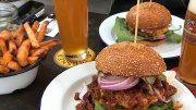 Burger mit Bier