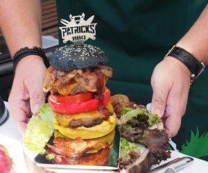 Ein Cheddar Burger