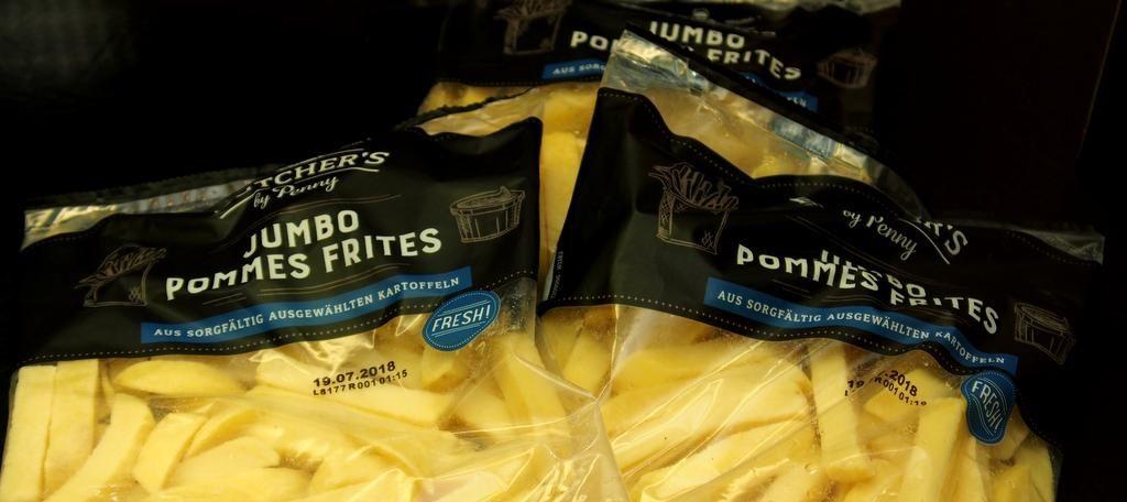 Pommmes Frites in Tüten