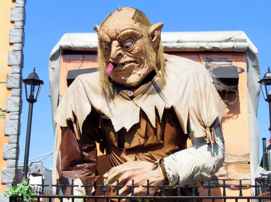 Monsterfigur einer Geisterbahn