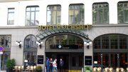 Eingang zum Hotel Reichshof