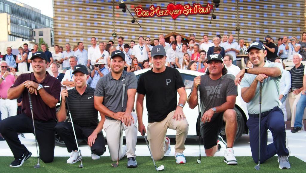Gruppenbild mit Profi-Golfern