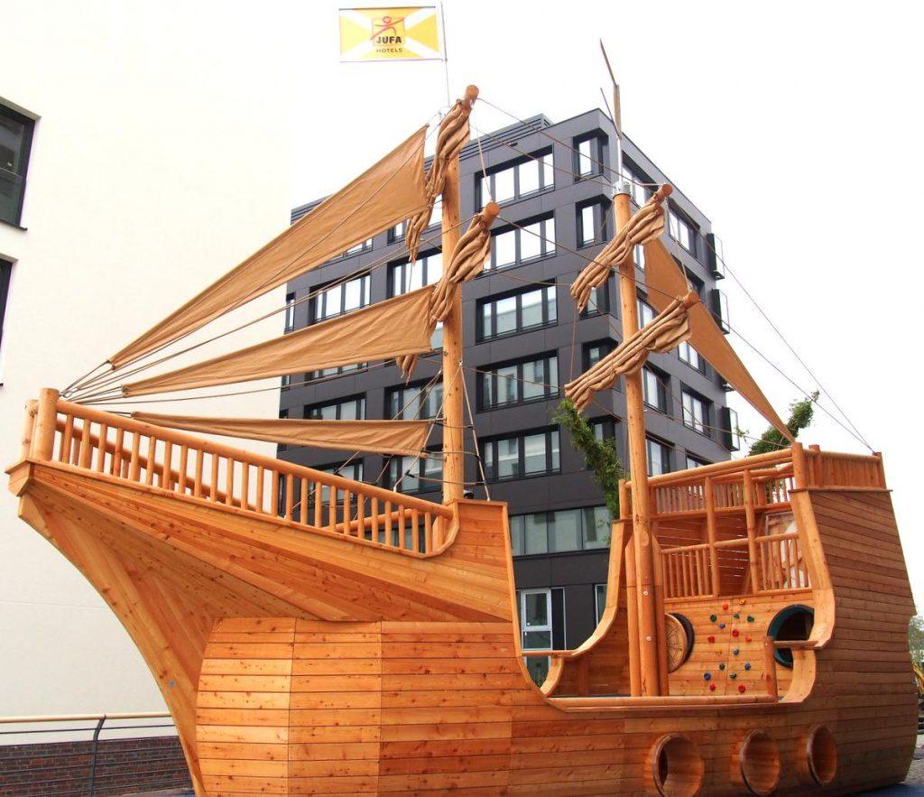 Das Piratenschiff vom Jufa Hotel Hamburg