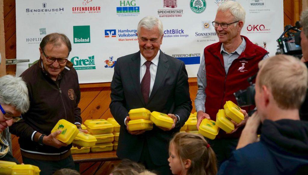 Bio-Brotboxen werden verteilt