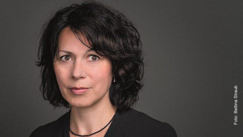Die Autorin Sabine Adler