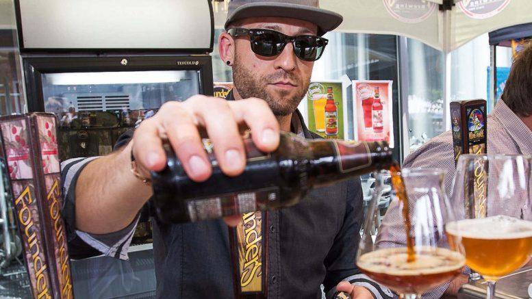 Bier wird bei den Craft Beer Days eingeschenkt