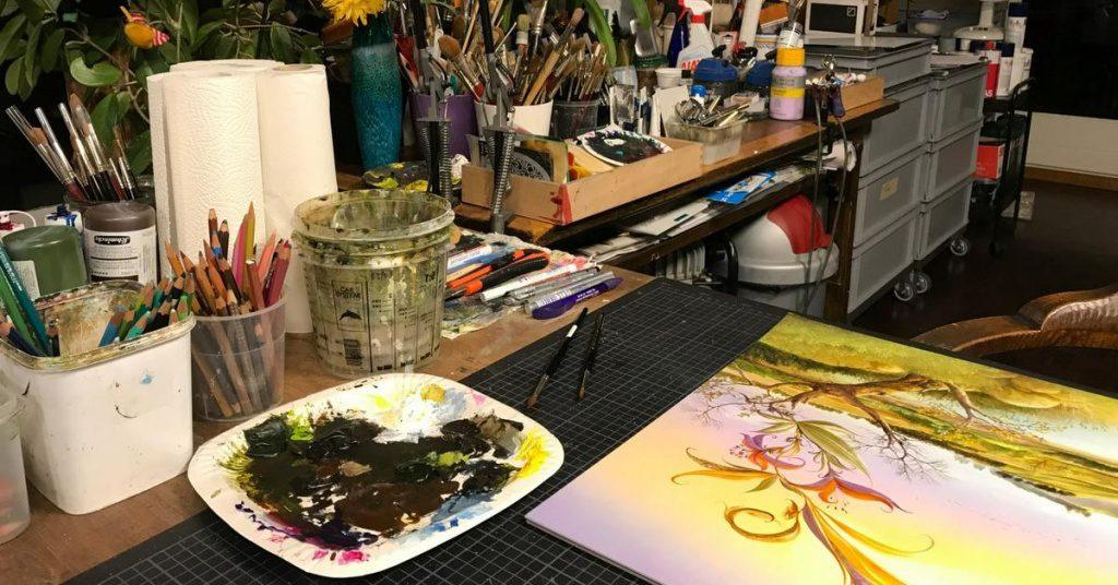 Der Arbeitstisch eines Malers