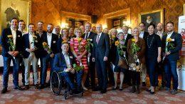 Gruppenfoto im Hamburger Rathaus Ausgezeichnete Orte Preisträger 2018