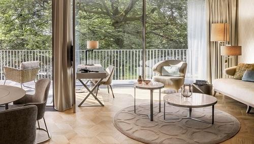 Blick in eine Hotelsuite des The Fontenay Hotels