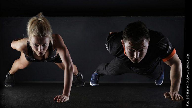 Fitness Training zwei Sportler