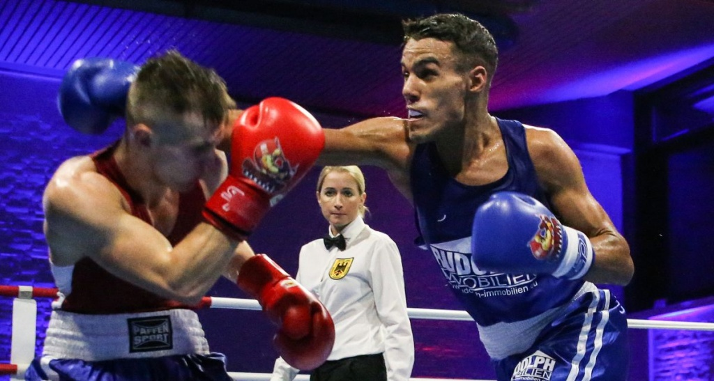 Zwei Boxer im Ring in Hamburg - Hamburg Giants Boxen Bundesliga