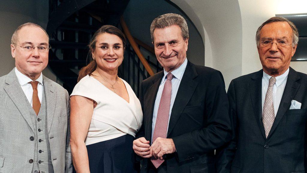 Gruppenbild mit Guenther Oettinger