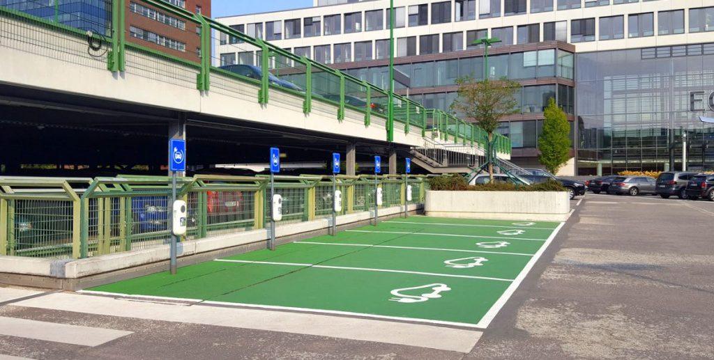E-Ladestationen für Autos in Hamburg