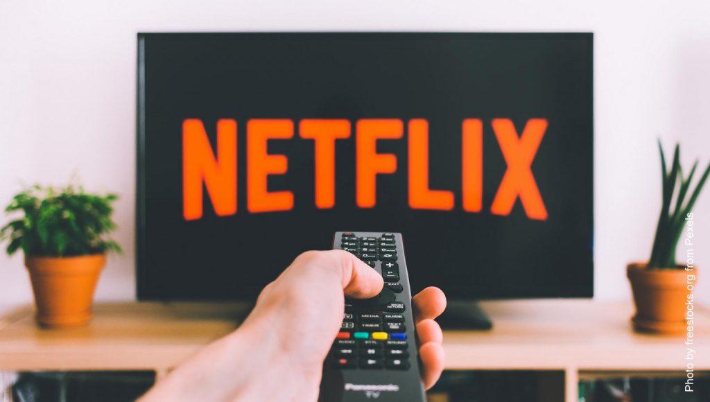 TV Bildschirm mit Fernbedieung