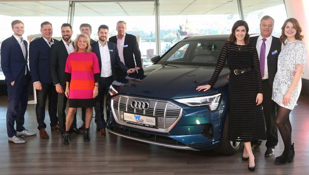 Audi e-tron Premiere Hamburg Gruppenbild der Macher