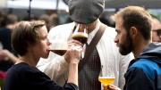 Drei Biertrinker