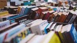 Bücher in Kisten