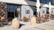 Carls Weinbar in der HafenCity Hamburg Aussenansicht mit Bar