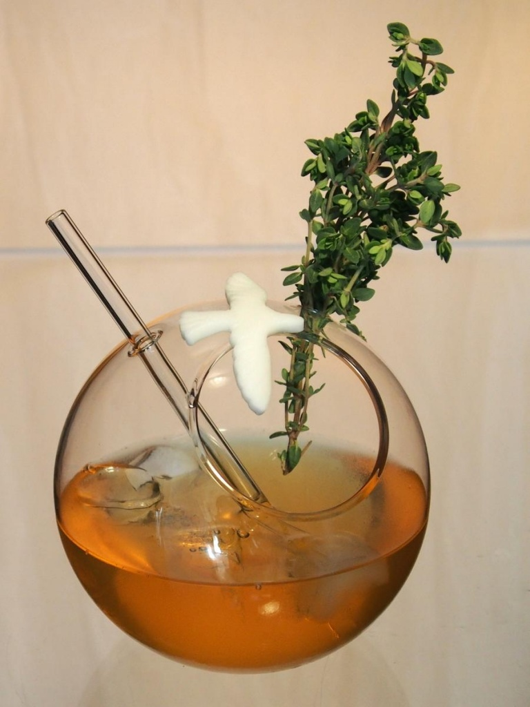 Cocktailglas mit Calvados Cocktail