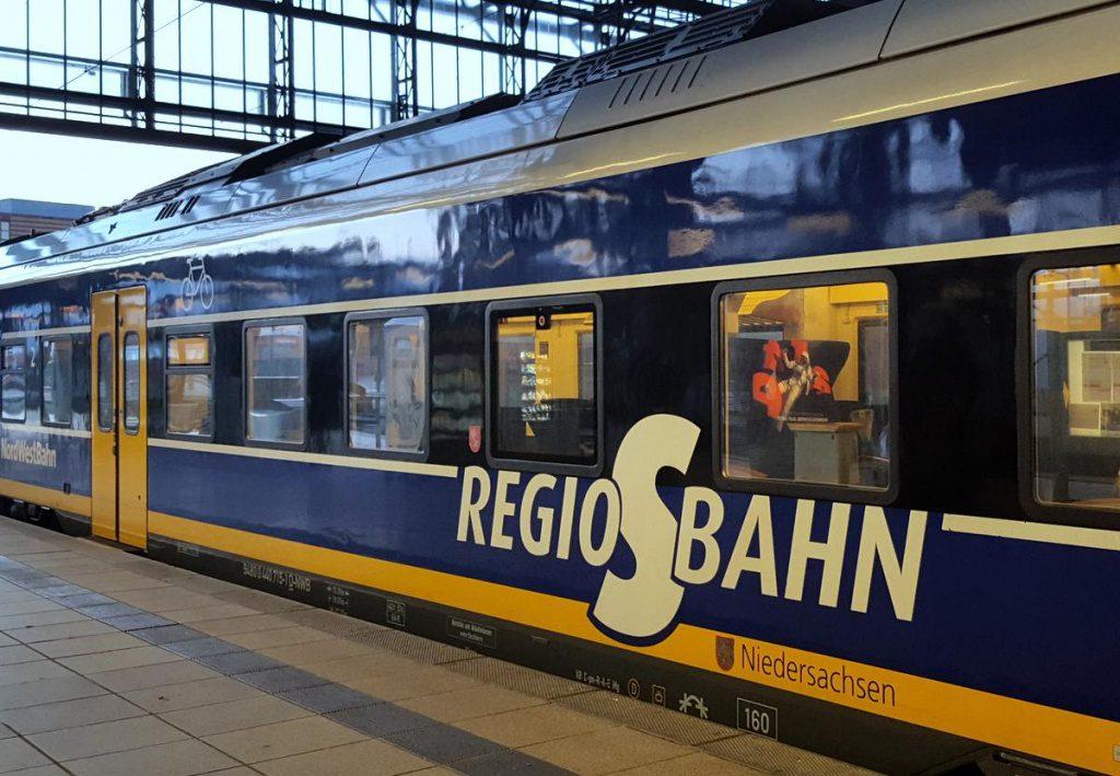 Ein S-Bahnzug im Bremer Hauptbahnhof