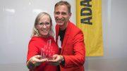 Die Leitung von der Panik City Hamburg mit Touristikpreis vom ADAC
