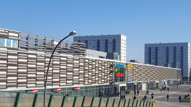 Aussenansicht LunaCenter - Shopping Center in Wilhelmsburg