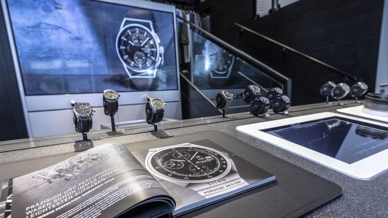 Uhren im Porsche Design Store Hamburg