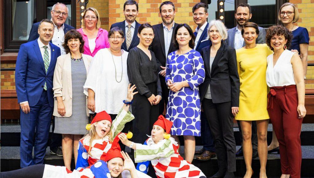 Gruppenfoto - HanseMerkur Preis für Kinderschutz