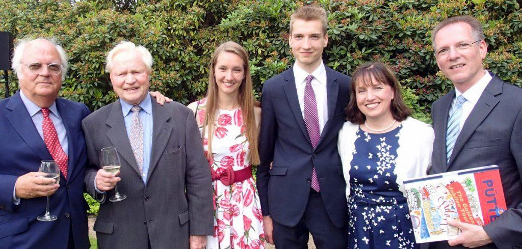 Gruppenbild Familie Pütter die Gastronomen des Anglo-German Clubs