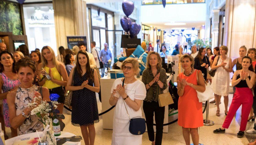Gäste beim Charity Shopping Abend in der Kaisergalerie