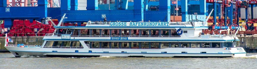 Die MS River Star auf der Elbe