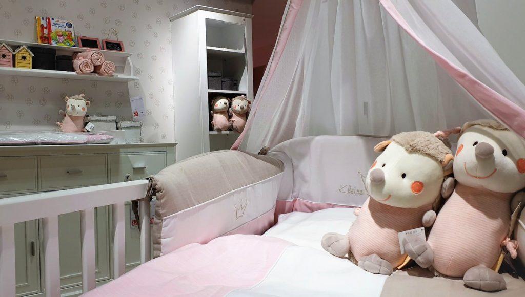 Kinderzimmereinrichtung für ein Baby