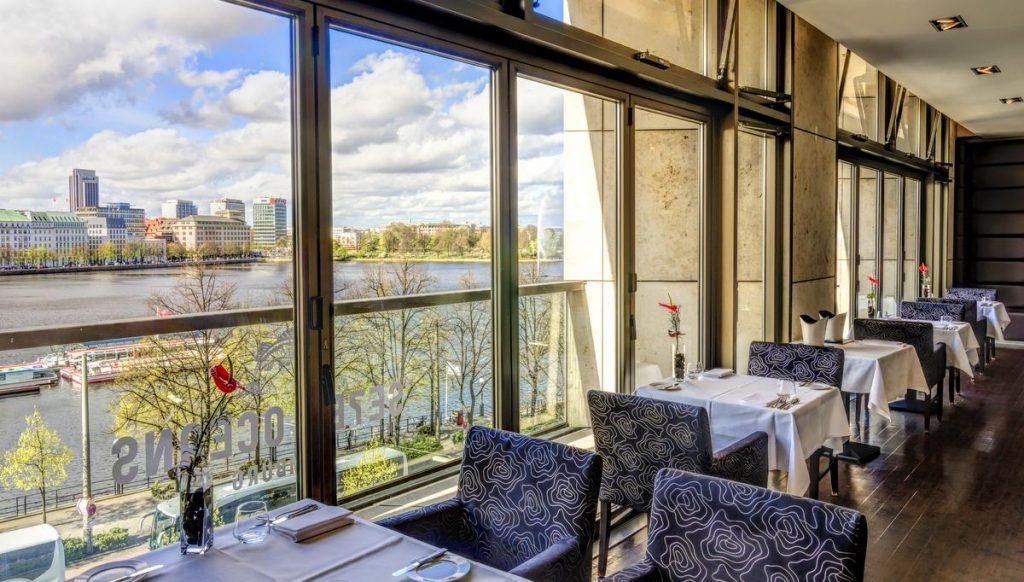 Blick vom Restaurant auf die Binnenalster