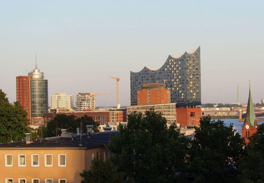 Elphi Hamburg am Abend