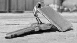 Schlüssel auf einem Tisch