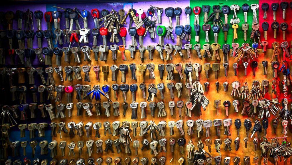 Viele Schlüssel an einem Schlüsselbrett