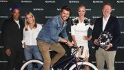 Gruppenfoto beim Launch Nespresso Nespresso Vélosophy RE:CYCLE Bike