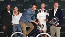 Gruppenfoto beim Launch Nespresso Nespresso Vélosophy RE:CYCLE Bike