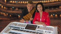 Die Musiker Claudia Hirschfeld mit David Döring